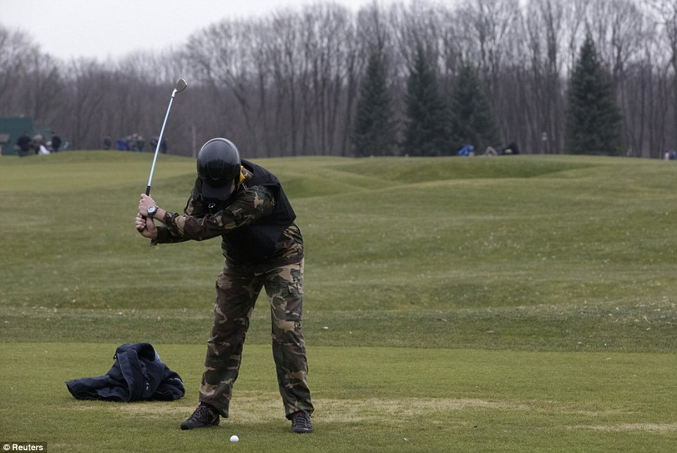 a round of golf on yanukovych's course
