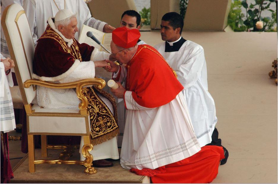 bow before benedict throne
